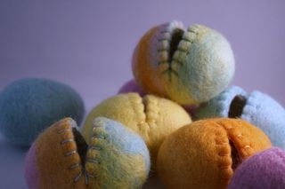 Wool eggs felted